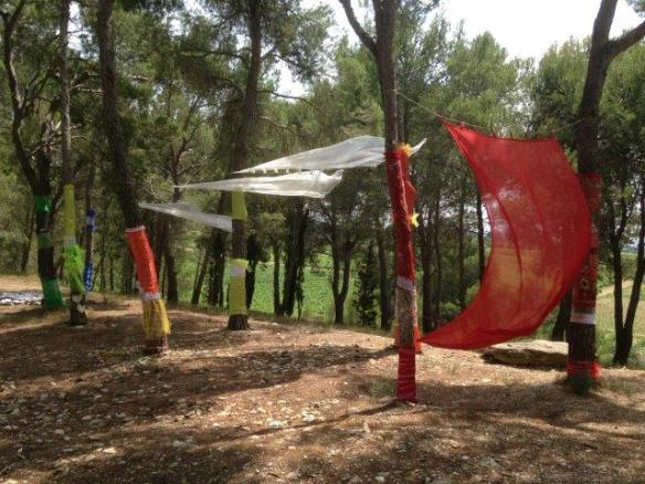Installation by the dolmen des fees