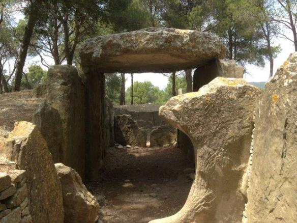 Antechamber of the dolmen des fees